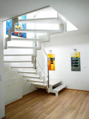 Bucher Treppen - Treppenmodell Ferro - elegant und weiß