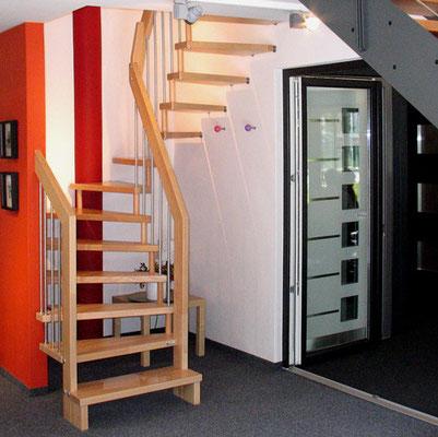 Bucher Treppenstudio Günzburg - Holztreppen mit Metallstäben