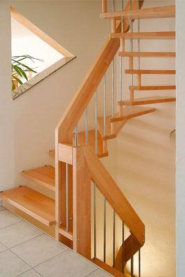 VIVA - Treppe aus Buchenholz von Bucher Treppen