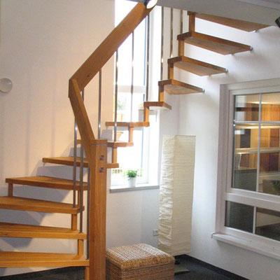 Bucher Treppenstudio Günzburg - Holztreppe aus Eichenholz