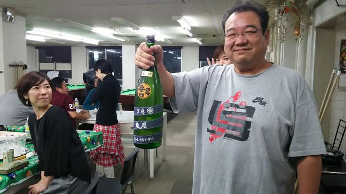 今回も𠮷村さん。日本酒を持ってきてくれました!奈良県の超辛口 睡龍と言うお酒。もういつもの酒屋さんでは常連化している模様です。いつもありがとうございます!