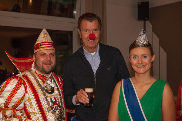 Das Prinzenpaar mit Udo Wackernagel