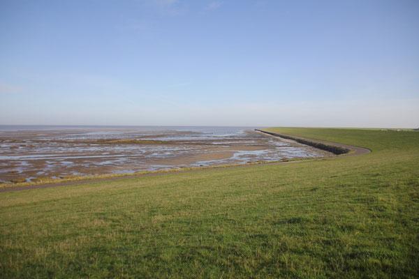 Die Nordsee, das Wattenmeer und eine Badestelle nur ein paar Schritte entfernt vom Seegut auf Eiderstedt