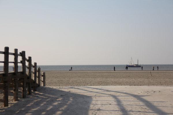 Der Strand von St. Peter-Ording ist in 10 Minuten mit dem Auto, in 35 Minuten mit dem Fahrrad erreichbar