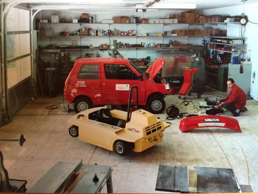 1987: Zusammen mit dem Bruder Dario Piffaretti, wurden in der Werkstadt von Rovio mehrere Elektrofahrzeug-Prototypen gebaut und getestet.