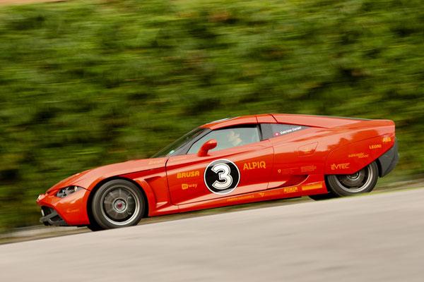 """2011: Mit 3 Elektromotoren und 570 PS sowie 900 Nm erreichte der """"Lampo3"""" eine 0-100 Beschleunigung von nur 4,5 Sekunden."""