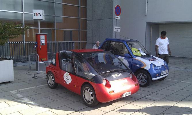 WAVE 2011 in St. Pölten. Spezial REVA Lion mit 15kWh Batterie, von Indischem REVA Team gefahren. Horlacher sport mit mir als Fahrer als Scout Fahrzeug.
