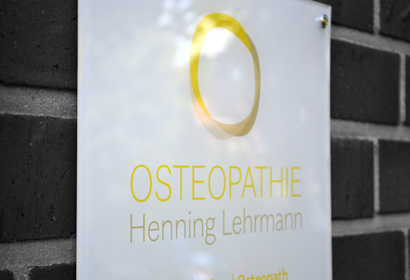Praxisschild Osteopathie Henning Lehrmann in Greven, www.osteopathie-lehrmann.de