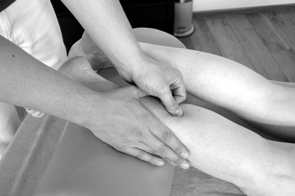 Osteopathische Technik: Faszial Achillessehne, www.osteopathie-lehrmann.de
