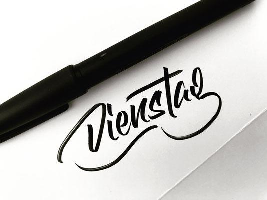 Simply-NeW-Art-Nelly-Wüthrich-Kehrli-Lettering-Brushlettering-Workshops-Schweiz-Brienz-Dienstag