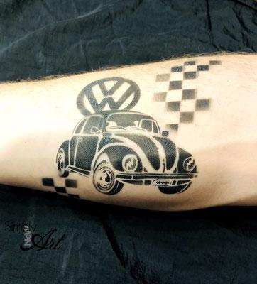 Simply-NeW-Art-Nelly-Wüthrich-VW-Käfer-Airbrushtattoo