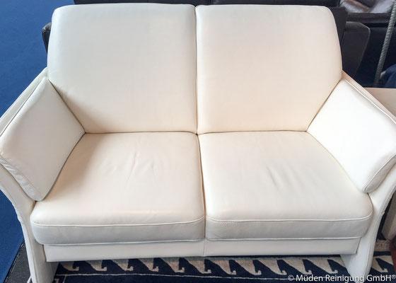 Bild 2 weiße Lederpolster Biologische Reinigung