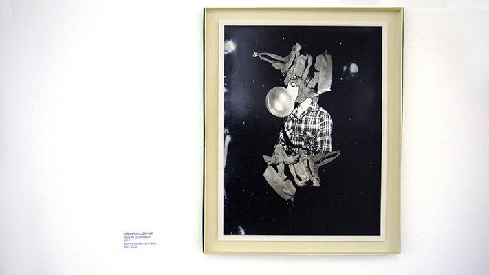 "SEBASTIAN JOCHUM, ""BEN IM DZEMBER"", Barytfotografie und Acrylfarbe"