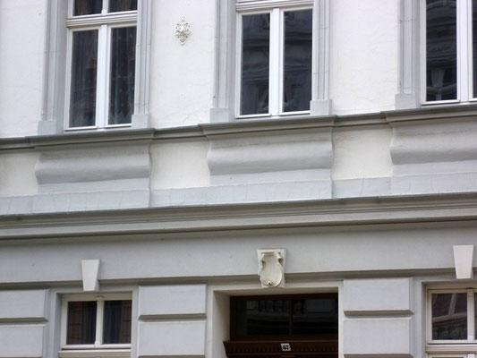 Oberleitungsrosette Landeskronstr. 47