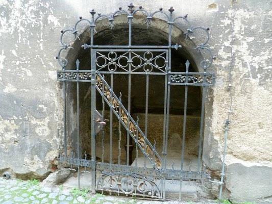 eine der ältesten städtischen Bütten, Apothekergasse