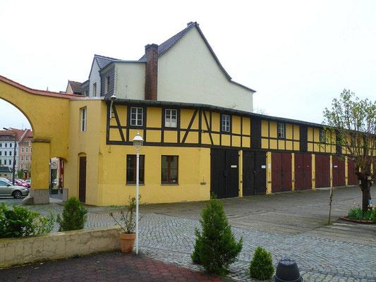 ehemalige Ställe der Pferdebahn am Demianiplatz