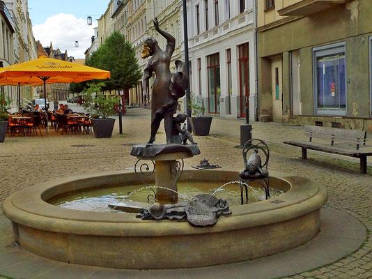 """""""Tänzerin"""" Berliner Str, zur Erinnerung an das Cafe Fledermaus"""