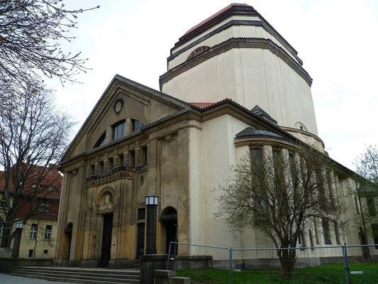 Synagoge Otto-Müller-Str. (1911, nur leichtere Schäden durch Brand in der Reichsprogromnacht, nach 1945 keine Jüdische Gemeinde mehr in Görlitz, ein Verein kümmert sich um die Erhaltung)