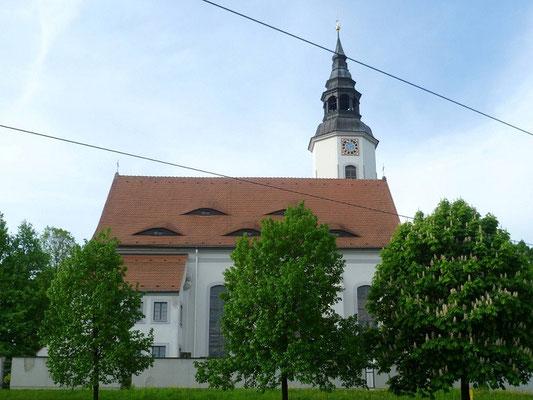 Hoffnungskirche Königshufen (1998 in Königshufen wieder geweiht, nachdem sie 1988 in Deutsch Ossig dem Braunkohlentagebau weichen musste)