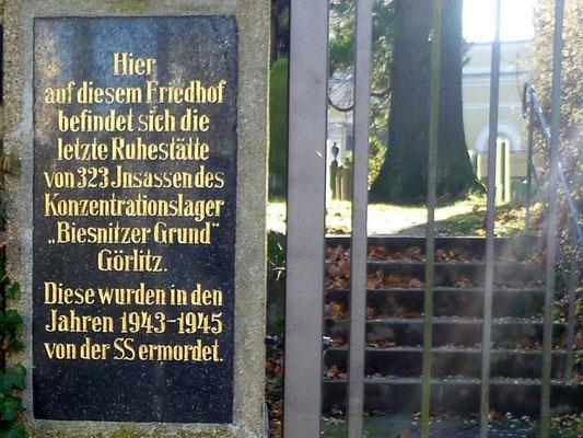 Gedenktafel an im KZ Biesnitzer Grund ermordete Insassen, Jüdischer Friedhof, Biesnitzer Str.