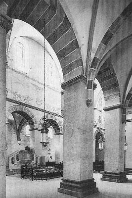 Kaiserdom Königslutter, Blick ins nördliche Mittelschiff, hist. Aufnahme mit noch sichtbaren Wandmalereien