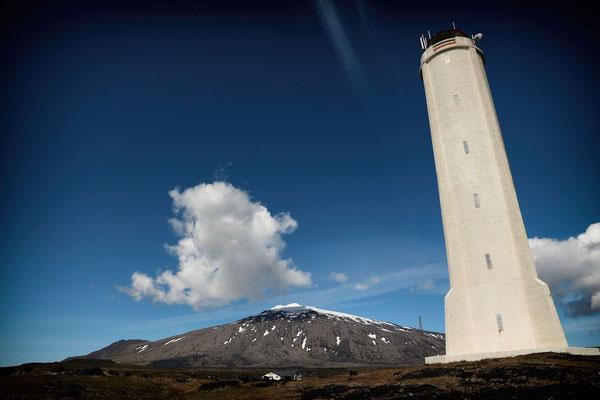 Leuchtturm bei Malarrif und Blick zum Snaefellsjökull