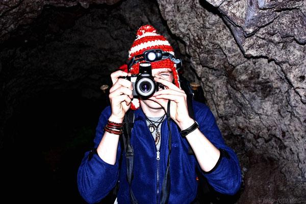 Durch Höhlen...