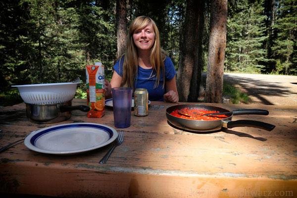 Mahlzeit auf dem Lake Louise Campground