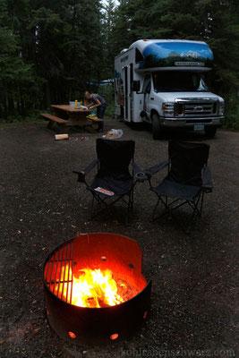 Lagerfeuer und Camperromantik
