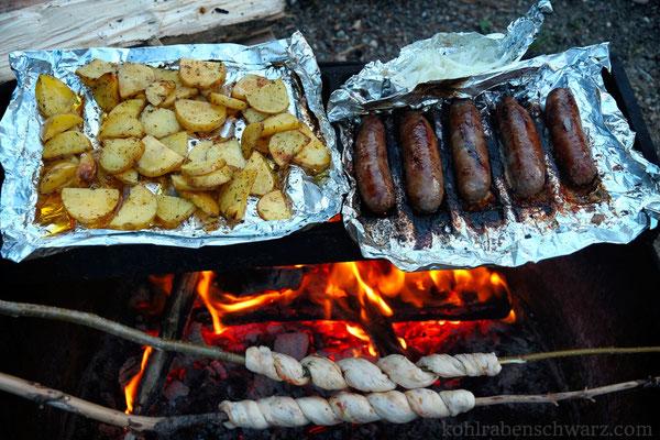 Abendbrot auf dem Lagerfeuer