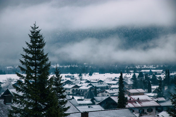 spätabendlicher Aufstieg - Blick auf Wallgau