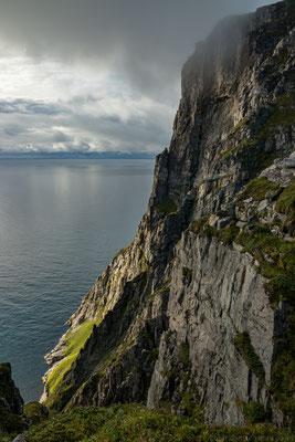 schroffe Steilküsten am Ryten
