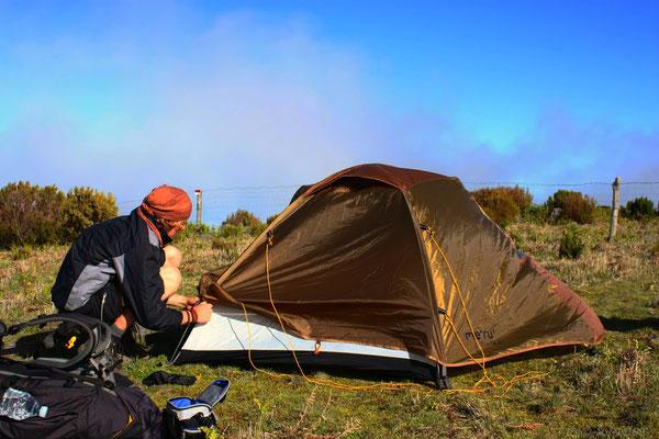 Zeltplatz zu Füßen des Pico Arieiro bei Wind...