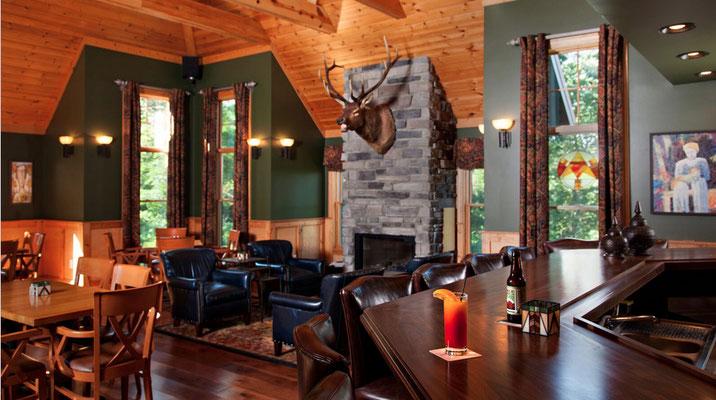 Bar and Lounge