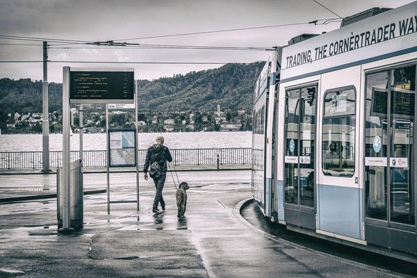Bahnhof Tiefenbrunnen