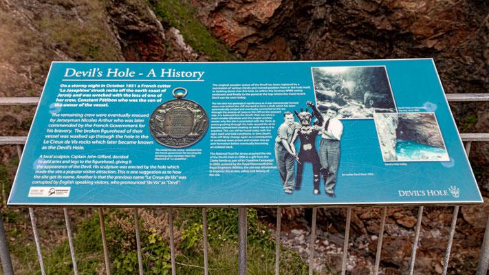 Devil's Hole ist mit dem Schiffbruch eines französischen Bootes im Jahr 1851 verbunden. Die Galionsfigur wurde von der Flut in das Loch gestoßen.