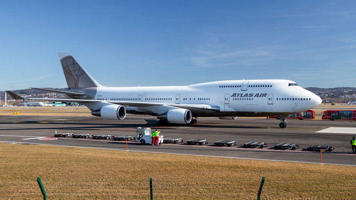Ankunft Atlas Air N322SG – Boeing 747-400 – Zürich Airport – 24.2.2019