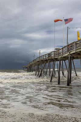 Das Avalon Pier in Kill Devil Hills ist eines der ältesten Fishing Piers auf den Outer Banks.