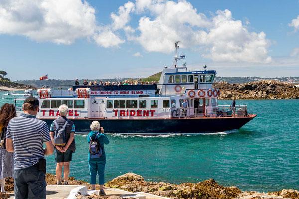 Die Fähre nach Herm fährt täglich ab Guernsey.