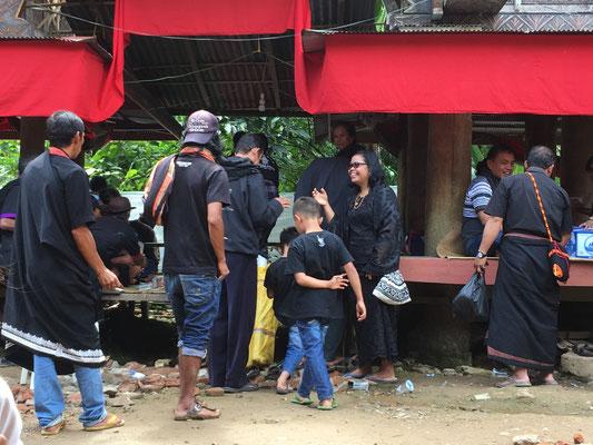 Beerdigungszeremonie - Rantepao - Sulawesi - travelumdiewelt.de