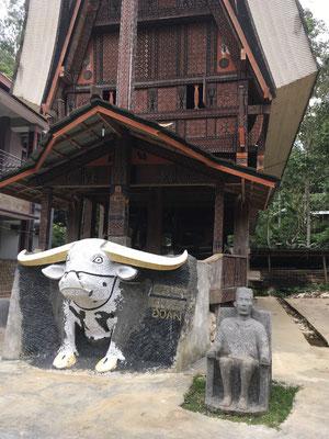 Toraja Haus - Sulawesi - Indonesien - travelumdiewelt.de