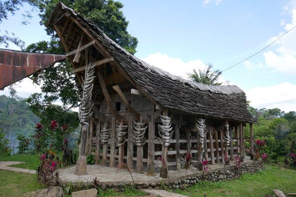 Altes Toraja Haus - Rantepao - Sulawesi - Ausflüge - travelumdiewelt.com