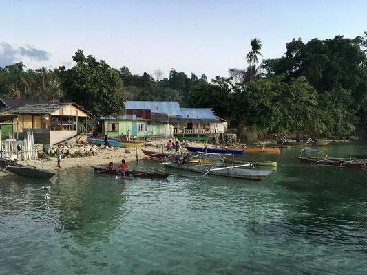 Dorf Bomba - Togian Islands - Sulawesi- Indonesien - travelumdiewelt.de