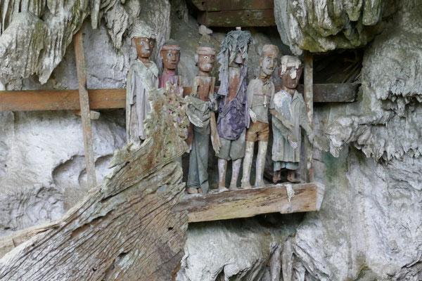 Tau Tau Figuren - Tana Toraja - Sulawesi - Reisetipps - travelumdiewelt.de