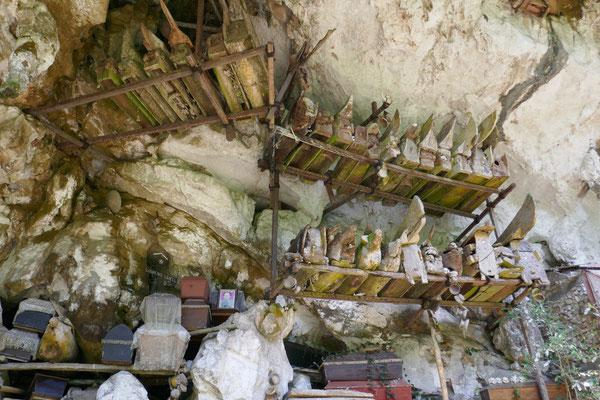 Felsengräber - Tana Toraja - Rantepao - Sulawesi - travelumdiewelt.de