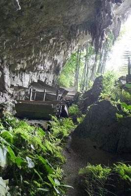 Grabhöhle - Tana Toraja - Sulawesi - Ausflüge - travelumdiewelt.de