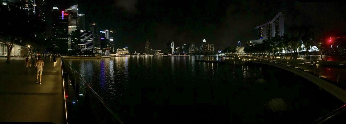 Marina Bay - Riverwalk - Skyline Singapur - travelumdiewelt.de