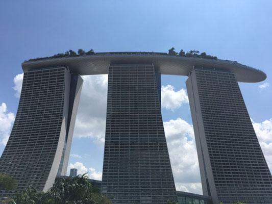 Marina Bay Sands Hotel - Wolkenkratzer - Singapur - travelumdiewelt.de