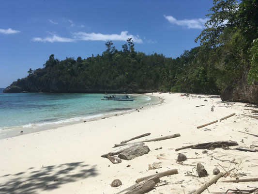 Karina Beach - Togian Islands - Reisetipps - travelumdiewelt.de