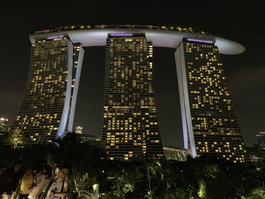 Marina Bay Sands Hotel - Wolkenkratzer - Singapur - travelumdiewelt.com